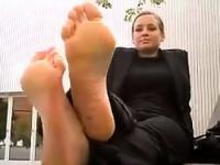 MILF Shows Her Pretty Feet Outside