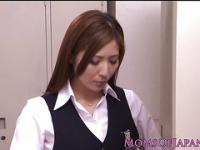 Gorgeous Yuna Shira japanese mom satisfies herself