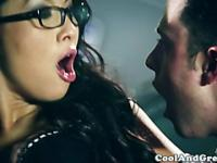 Asian skank eagerly deep throating