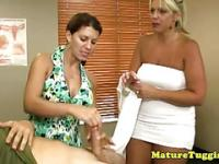 Mature cougar milfs wank bite ensemble