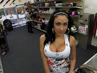 Big tits Latina woman gets in trouble selling phones ends up fucked