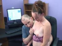 Fair-skinned freckle-faced coed strumpet blows older dude in a chair