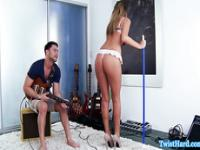 Beauty Alexis Adams fucks musician