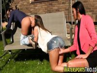 Weird lesbos pissed on