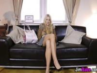 Amateur Teen reitet oldy