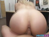 Pornstar dance on a dick to have money
