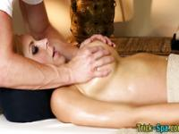 Blondie loves sensual rub
