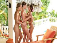 Hot lesbians nicole and her friends in threesome hardcore actions
