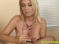 Stunning tugging milf with monsterboobs pov