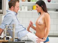 Tempting cougar India Summer erotic fuck