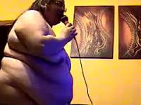 Obese Naked Singing Camgirl Private Camshow