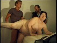 BBW in a hardcore pussy stretching game