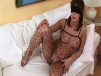 Blindfolded sweetie will caress her naked pussy