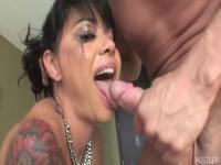 Messing up Dana Vespoli's make-up with a deepthroat