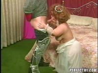 Midget princess gets impaled by her knight's meat sword.