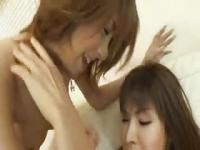 hot japanese Shemale enjoy BJ and Cumswap