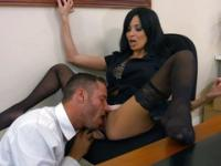 Employee drills the nice slit of his sexy boss in the office