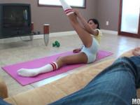 After a session of yoga babe decided to suck a dick