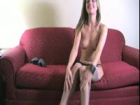 Jerk during the time that this babe disrobes. JOI