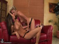 Aleska Diamond and Bambi eat each other out