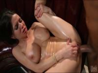 Oiled bitch Veronica Avluv gets banged hard