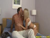 Sexydoll Mandi Dee and  Nick Lang in a sexy adventure