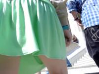 Horny street ups of the sexy teenager in short green skirt