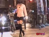Japanese whore caught sucking her lover.s dick in the street