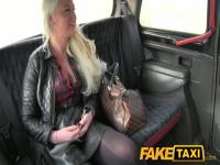 FakeTaxi: Blond glamour model sucks large jock