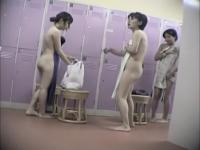 Beautiful Japanese ass on the changing room spy cam 442 su0308