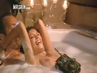 The best erotic scenes in a bathtub
