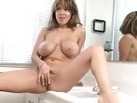 Voluptuous married woman seducing her employee