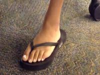 College Indian Feet (must see!!) - Flip flop play