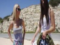 Naughty stranded teens gives a roadhead and squirt in the car