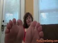 Amazing wrinkled mature feet and sole