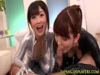 Japanese fetish babes in trio squirting
