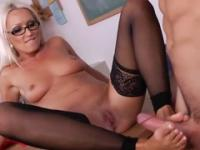 Blonde milf gets a facial after shagging