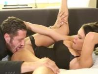 Babe Peta Jensen en video de sexo duro de la base