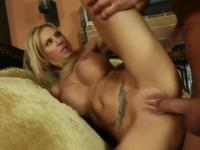 Cougar with hot big melons is acting in cock sucking sex movie