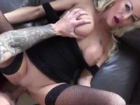 Golden-haired Tia Layne in cumshot sex movie