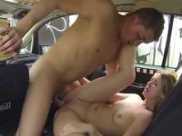 Blonde bitch gets screwed by horny taxi driver
