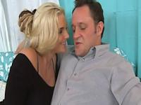 Horny wife phoenix marie getting facialized