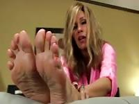 Kinky hot MILF foot fetish