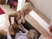 Mature couple ready to fuck