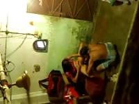 Indian amateurs help each other out in the bathroom
