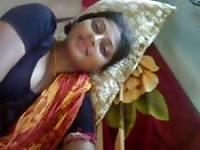 Shinning Indian teen in cam show
