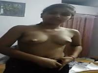 Teenage Indian chick undresses on camera