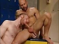 Hung Tim barebacks