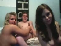 2 Girls And 2 Guys Have Oral Fun Online