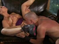 Handsome breasty mature woman gives a classy blowjob